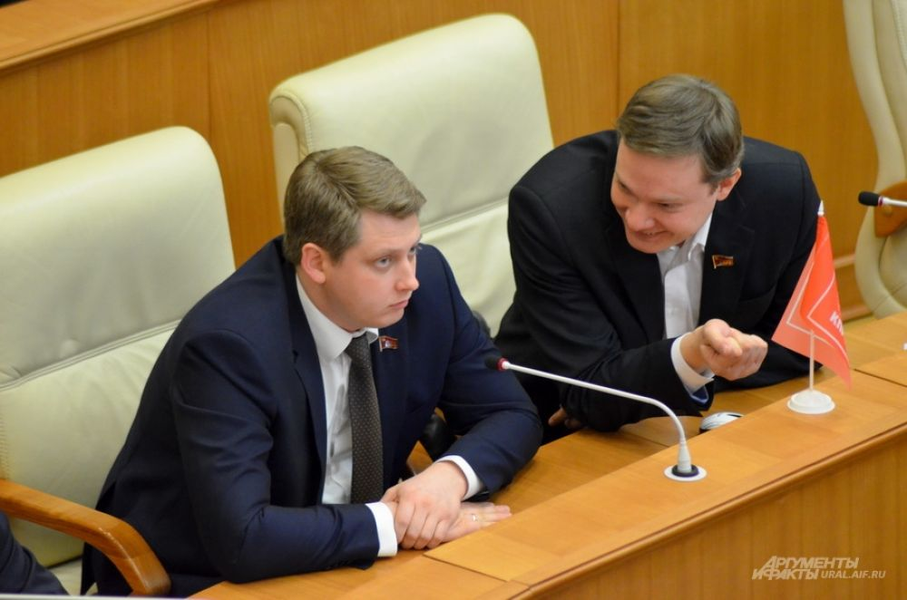 Лидер КПРФ Александр Ивачёв (слева) и его соратник Александр Ладыгин.