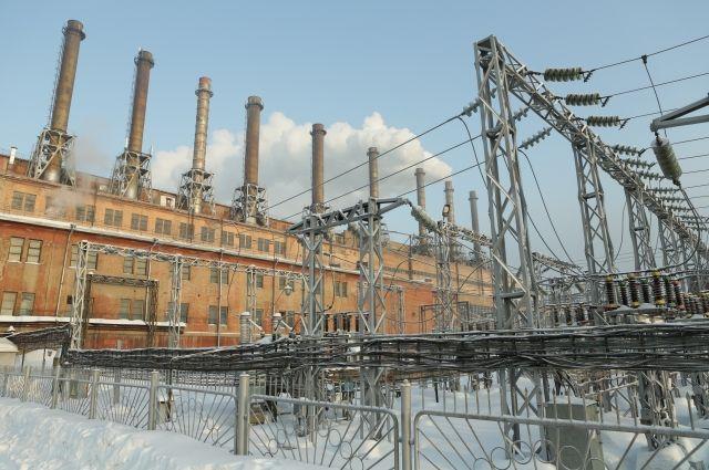 Кемеровскую ТЭЦ строили, чтобы «кормить» энергией сразу несколько заводов и жилые кварталы Кемерова, но сегодня она работает в треть силы.