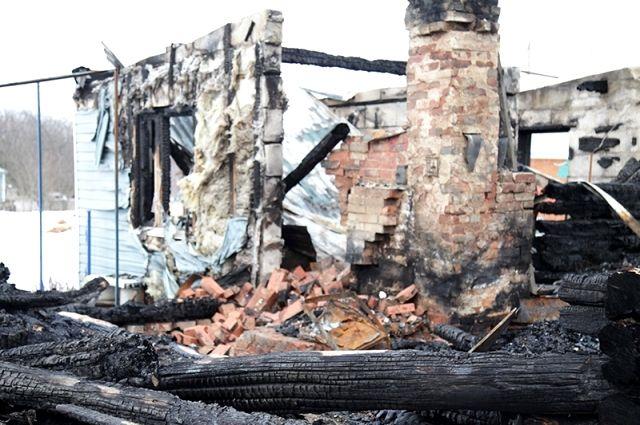 Дедовичанина будут судить заподжог автомобиля исгоревший дом