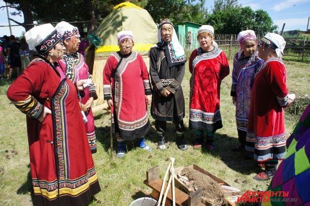 Жизнь аборигенов - это не только фестивали и праздники.