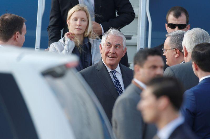 Государственный секретарь США Рекс Тиллерсон, прибывший с рабочим визитом в РФ, в аэропорту «Внуково-2».