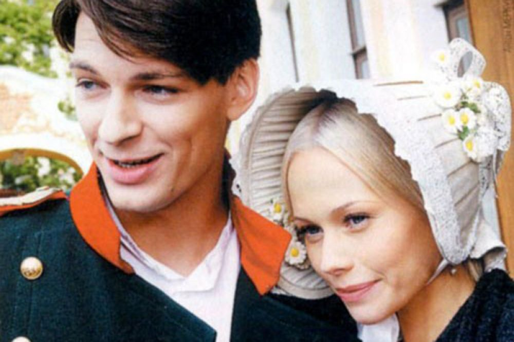 Всеобщая популярность пришла к ней после выхода на экраны сериала «Бедная Настя» (2003-2004). Однако после его окончания Корикова пропала с экранов. В настоящее время актриса играет в театре.
