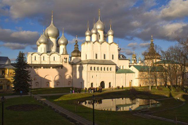 «Красота, гармоничность, ансамблевость - эти понятия характеризуют Ростовский кремль».