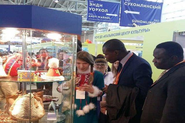 Ямал представил свою экспозицию на Международном салоне образования в Москве.