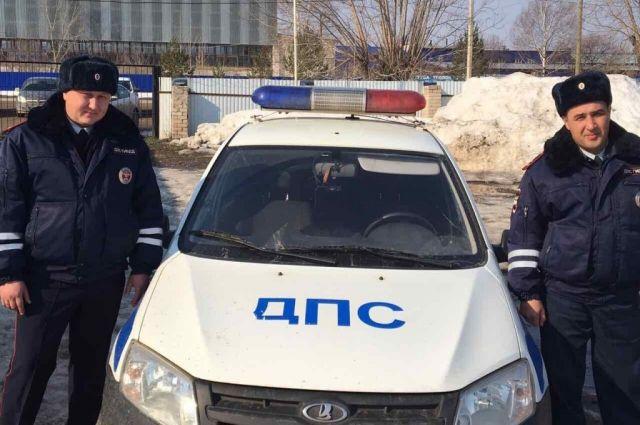 Лейтенант полиции Арсен Арсланов и старший лейтенант Марат Аптуков