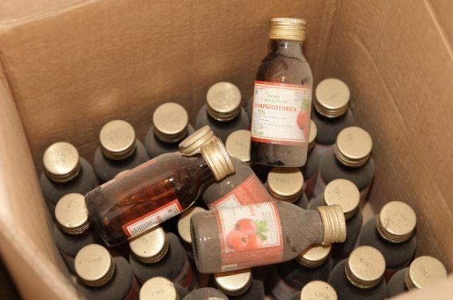 ВКрасноярске отыскали подпольный цех с800 бутылками «боярышника»
