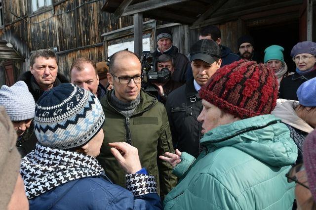 Врио пообещал жителям, что ситуацию в Симонихе берёт под свой личный контроль.