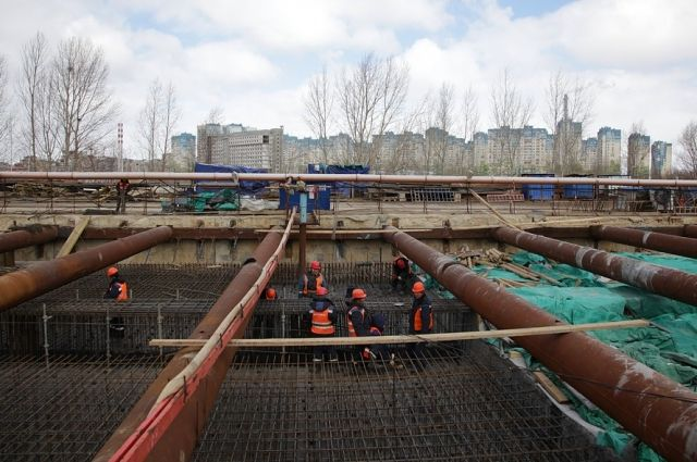Сегодня здесь трудятся строители, а в мае 2018 г. пойдёт первый поезд.