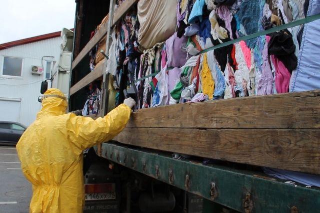 На границе с Калининградом задержан грузовик с радиоактивным секонд-хендом.