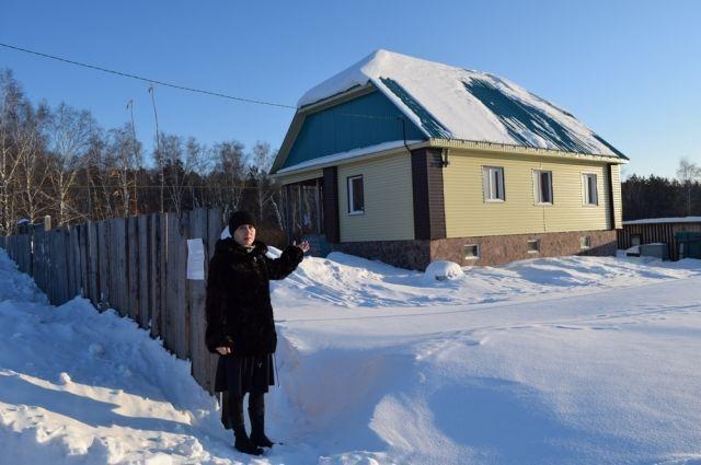 Иск о выселении из частного дома семьи Людмилы Елсуфьевой подал Курганский госуниверситет.