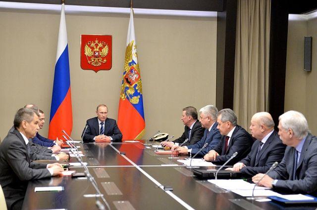 Путин обсудил с Советом безопасности ситуацию в Сирии и отношения с США