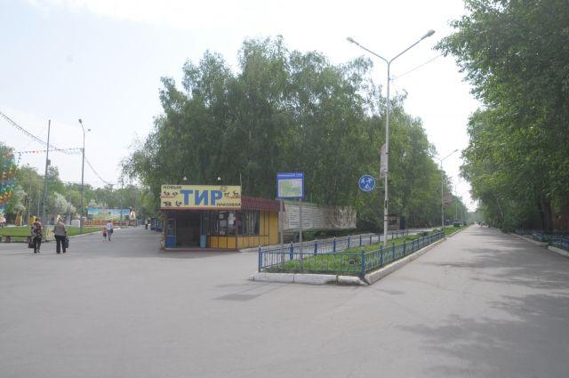 Помимо аттракционов в главном парке города появится новый сквер.