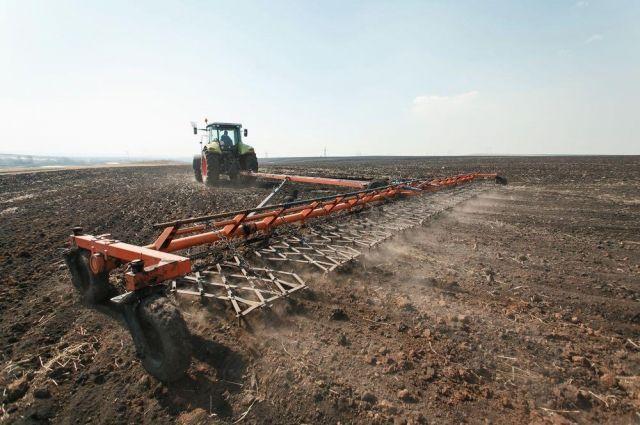В Кузбассе начались посевные работы.