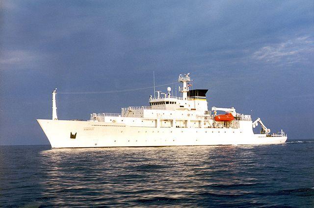 Итальянское судно нарушило границы РФ вКрыму