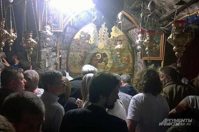 Огонь и воды. Как на Святой земле встречают паломников из России