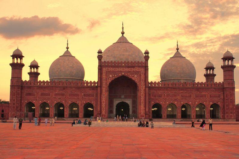 Пакистан (133 место),