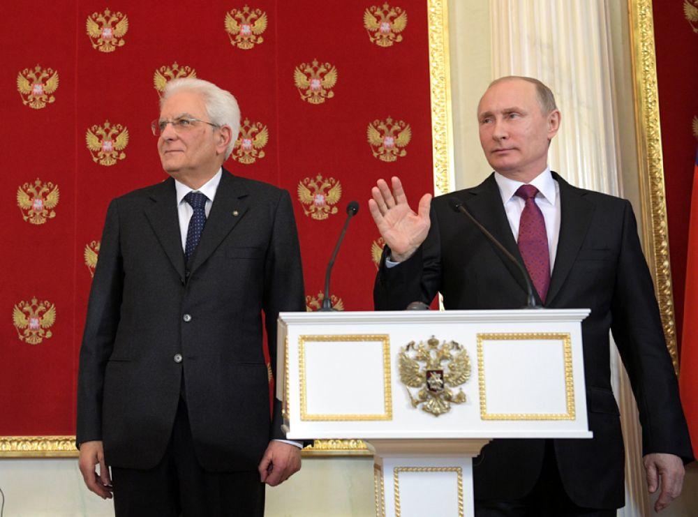 11 апреля. Президент России Владимир Путин встретился с президентом Италии Серджо Маттареллой в Кремле.