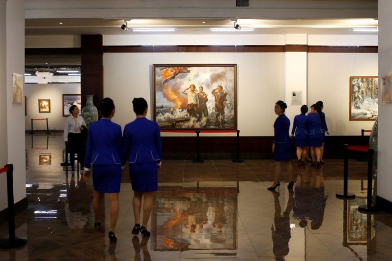 Накануне празднования 105-летия Ким Ир Сена в Даньдуне открылась новая культурная выставка.