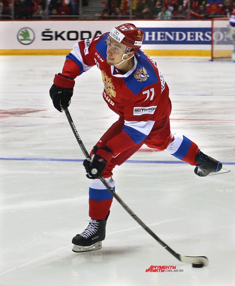 Нападающий олимпийской сборной Антон Бурдасов.
