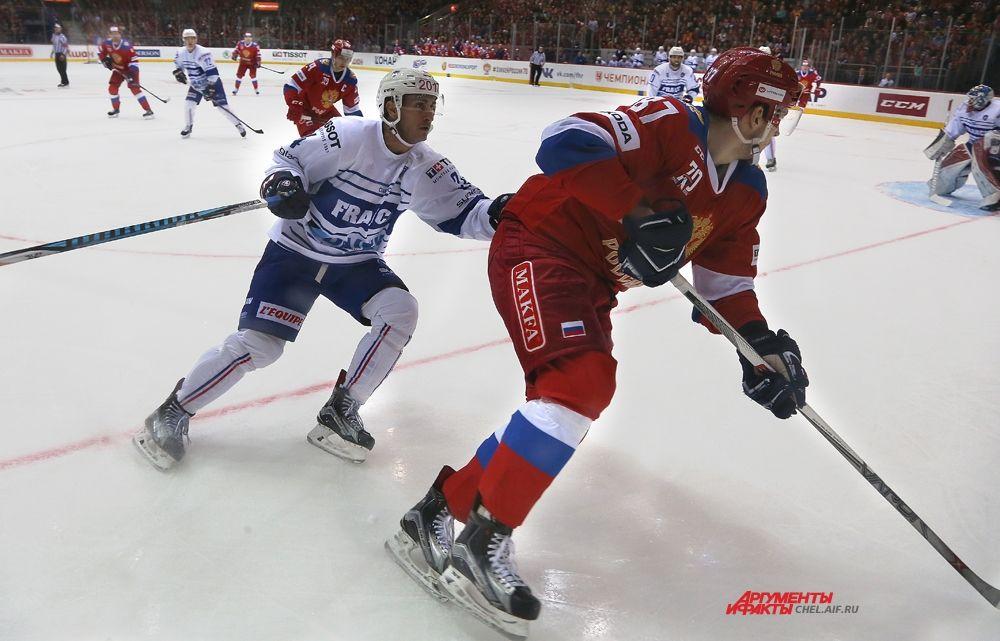 Максим Шалунов стал автором третьего гола сборной, забитого ещё до конца первого периода.