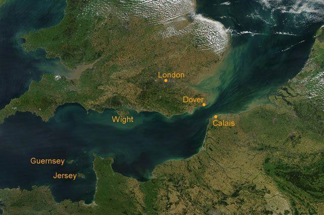 Врайоне Ла-Манша фрегат Британии будет сопровождать российские корабли