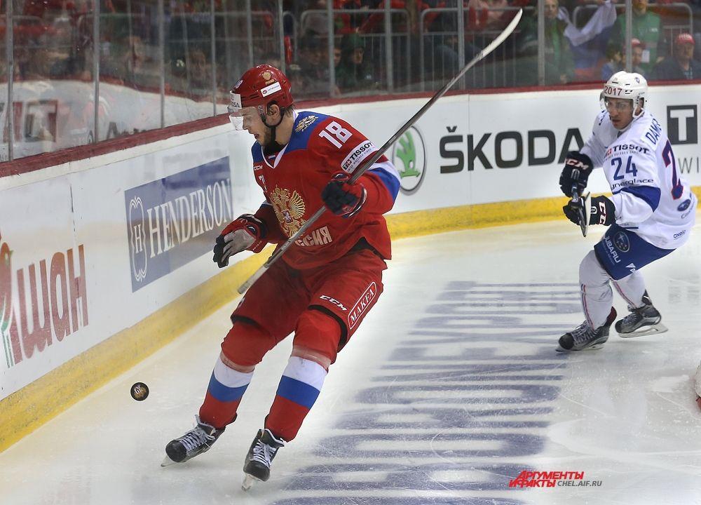 Нападающий российской команды Максим Мамин.