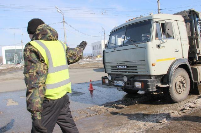 Движение большегрузов вКрасноярске временно запрещено