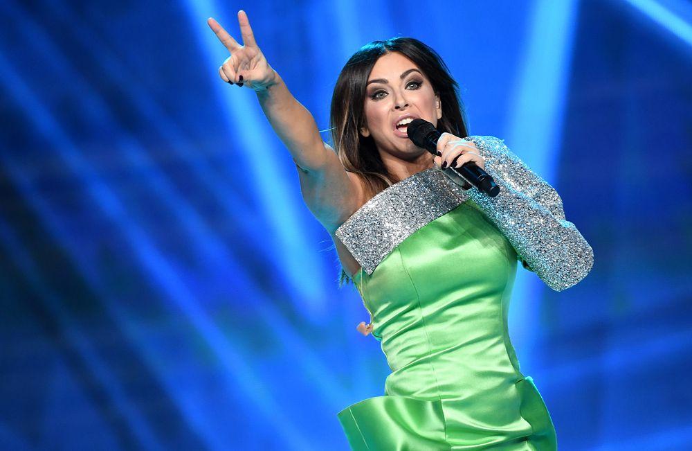 Певица Ани Лорак выступает вфинале конкурса «Мисс Россия-2017» вконцертном зале «Барвиха».