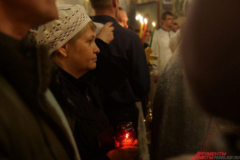 После завершения Крестного хода наступили праздничные богослужения, которые продлились ещё несколько часов.