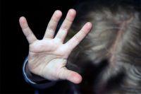 Семейная пара жестоко расправилась с двумя приемными детьми.