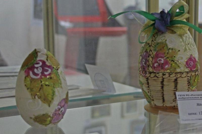 В Ростовском музее изобразительных искусств демонстрируют подлинные произведения древнерусской живописи и предметы декоративно-прикладного искусства XVIII-XIV веков.