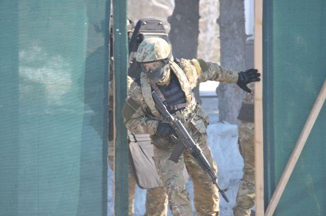 На задержание опасных рецидивистов привлекли СОБР.