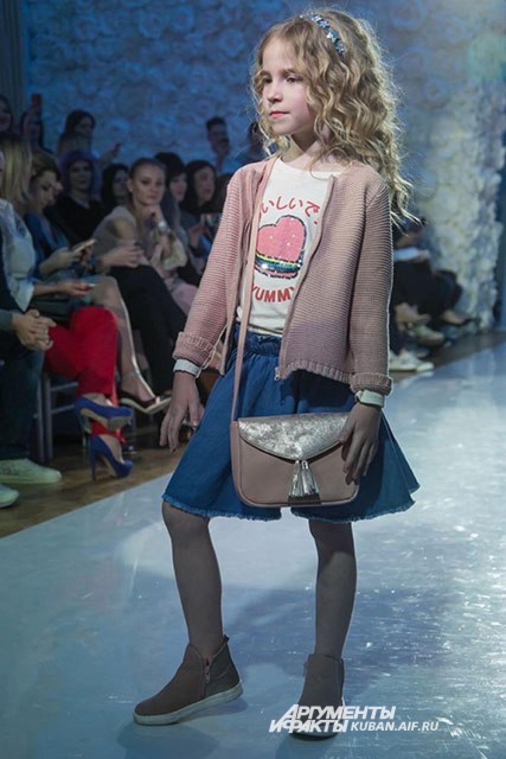 Одежда бренда рассчитана на разные возраста - от малышей до подростков.