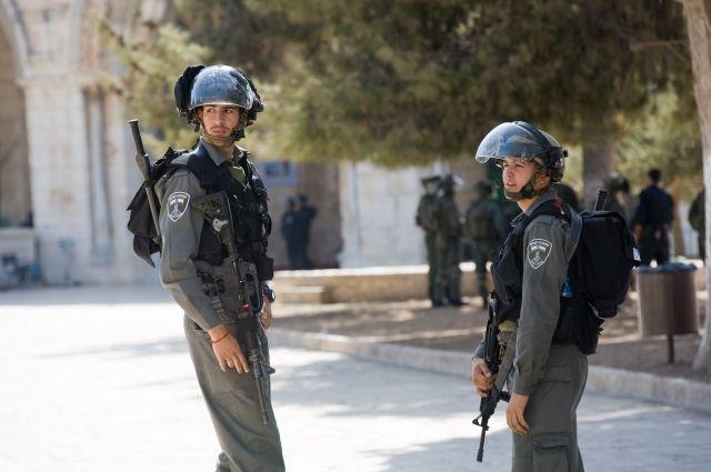 ВИзраиле около 700 заключенных палестинцев объявили голодовку