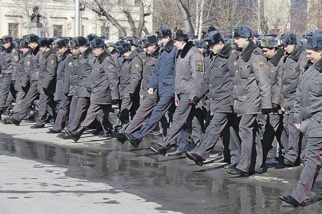 Ежесуточно на охрану жителей края заступают сотни полицейских.