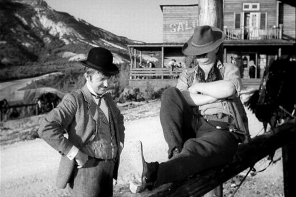 Георгий Вицин в фильме «Деловые люди» (новелла «Вождь краснокожих»). 1962 год.