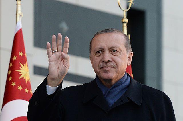 «Эрдоган — узурпатор». Что думают турки о своём президенте