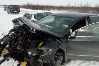 В Надымском районе в больницу доставлены три человека, пострадавших в ДТП.