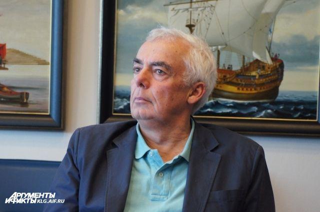 Кино о гибели суперлайнера «Титаник» впервые в истории снял культовый канадский режиссер-документалист Стивен Лоу.