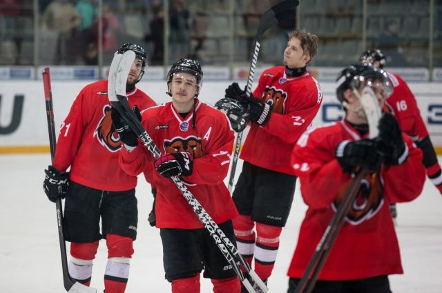 Молодежная команда из Новокузнецка стала бронзовым призером МХЛ сезона 2016/2017.