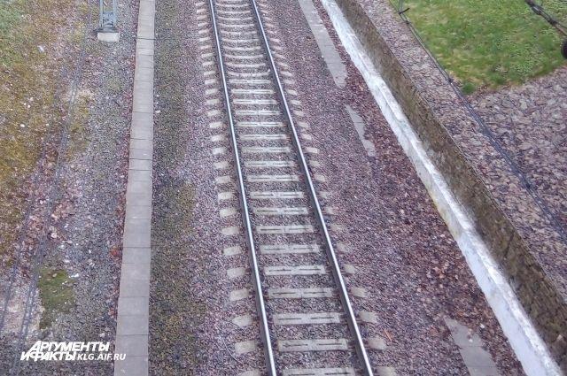 Тело 18-летней девушки найдено на железнодорожных путях под Калининградом.