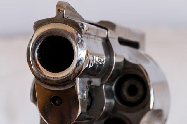 Брянец избил револьевром 19-летнюю девушку иотобрал 60 000 руб.