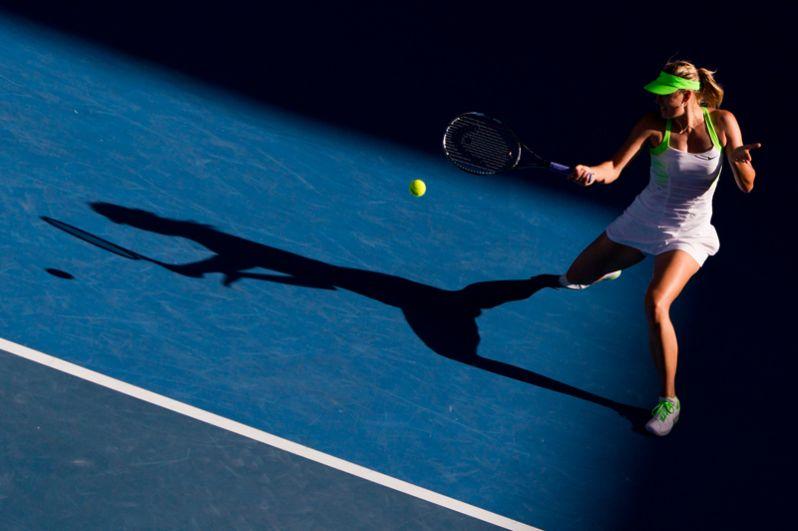 2012 год. Российская теннисистка Мария Шарапова в полуфинальном матче Открытого чемпионата Австралии против чешской теннисистки Петры Квитовой.