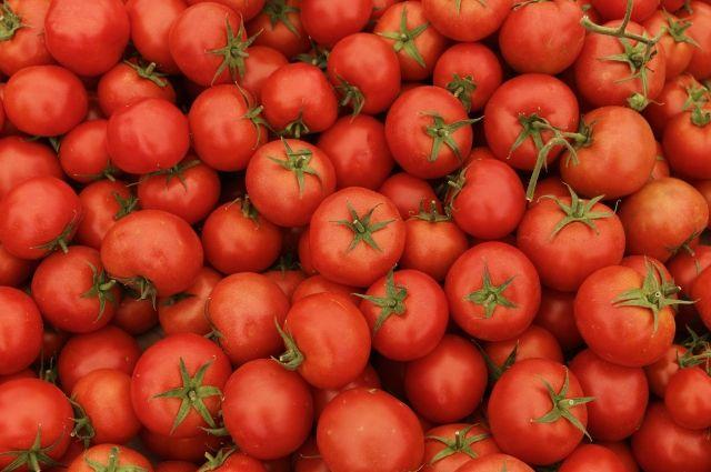 Хозяин овощной лавки вТурции отбился отвооружённого правонарушителя помидорами