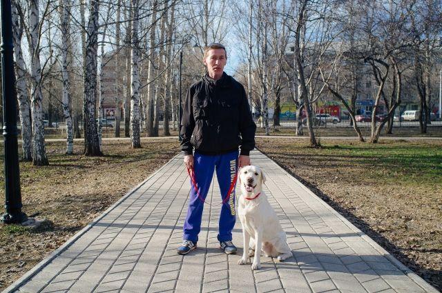 Иван Пасынков убеждён, что все начинающие собаководы должны проходить обязательные курсы, чтобы научиться правильно воспитывать домашних питомцев.