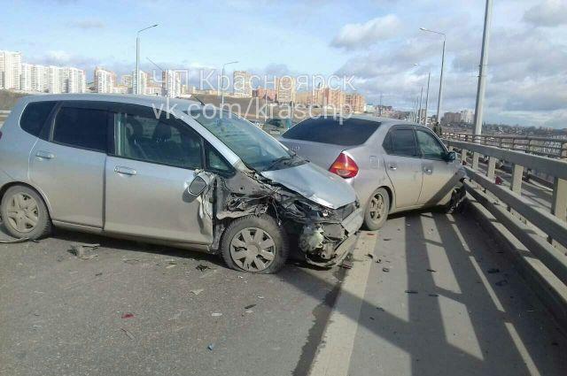 За рулём обоих автомобилей находились женщины.