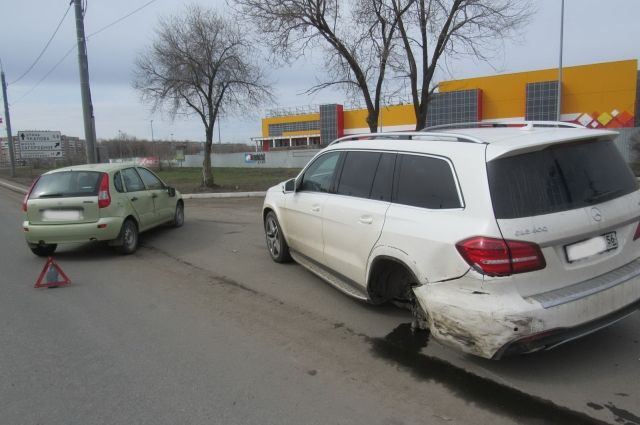 В Оренбурге в ДТП с четырьмя машинами погиб 53-летний мужчина