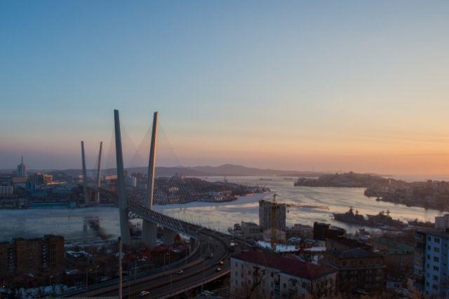 Владивостоку сама природа дарит свежесть воды и ветра