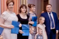 Сергей Сушков лично поздравил тех, кто получил социальные выплаты.