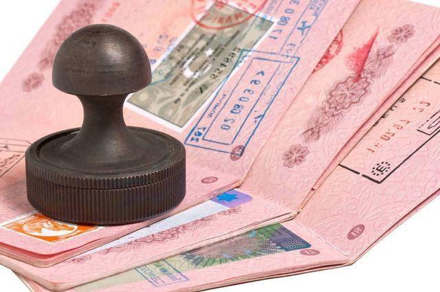 Программа рабочих виз для высококвалифицированных работников H-1B популярна среди высокотехнологичных компаний США